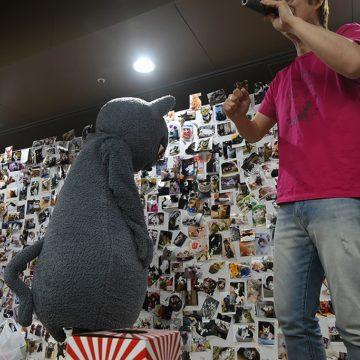 じゃんけん大会で勝ちすぎて反省するびじゅたん photo by A.Kawasaki