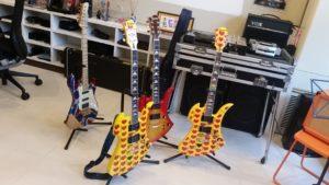 電脳音楽塾講座 SUNAO氏の『 ロック☆ギタリスト養成所・LEVEL 1&2(初級合同クラス)』を受講した教室で撮影したギター